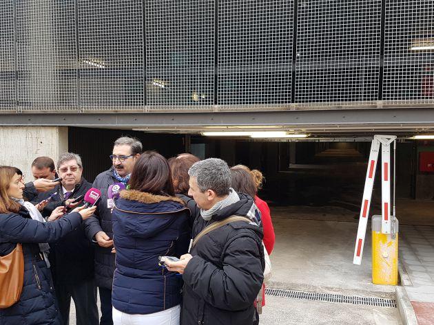 El consejero de sanidad pide al Ayuntamiento de Guadalajara la licencia de apertura del nuevo aparcamiento del Hospital: El consejero de sanidad visita el nuevo aparcamiento del Hospital de Guadalajara