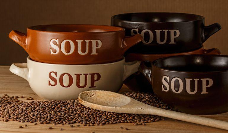 Las sopas y legumbres son imprescindibles platos de cuchara en la cocina de invierno
