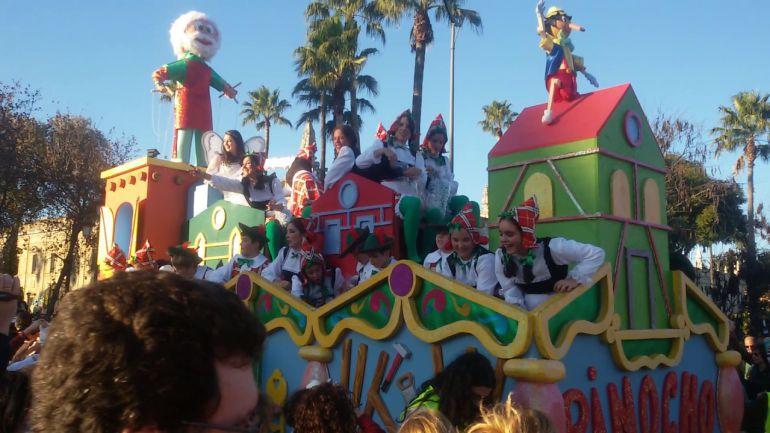 El mal tiempo obliga a recortar la cabalgata de los Reyes Magos en Sevilla