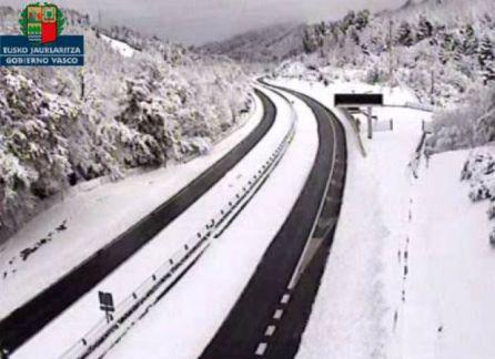 Diez consejos si vas a conducir con nieve