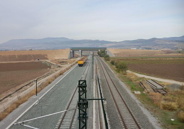 Obras del AVE a Granada a la altrua de Pinos Puente