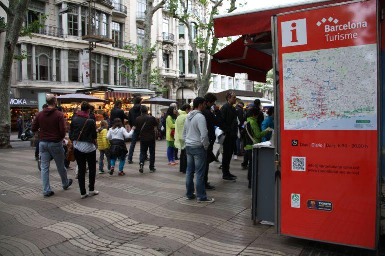 Barcelona tanca el 2017 amb més turistes, malgrat la caiguda dels darrers mesos