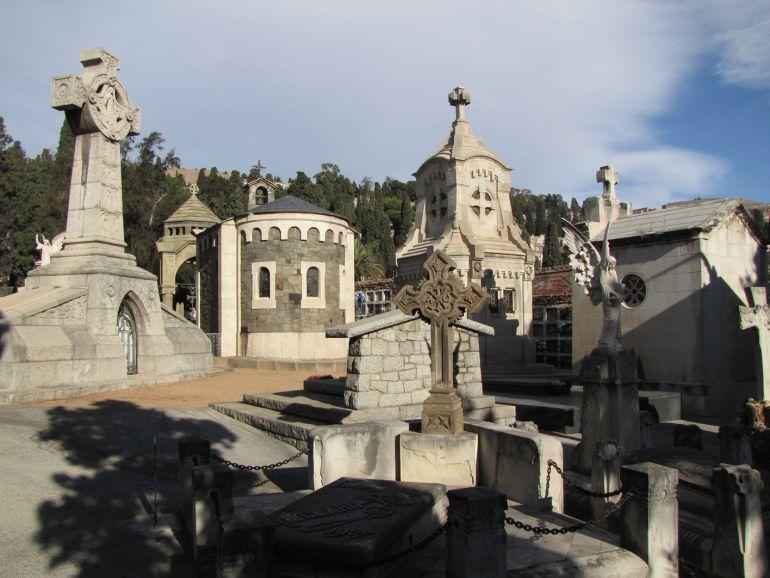 La Síndica denuncia falta manteniment al cementiri de Montjuïc