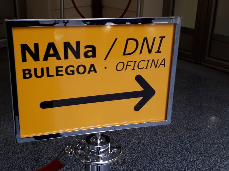 Eibar inaugura su oficina de expedici n del dni radio eibar cadena ser - Oficina del consumidor bilbao ...