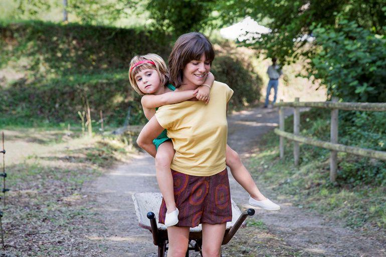 """Imagen de un fotograma de la película """"Verano 1993""""."""