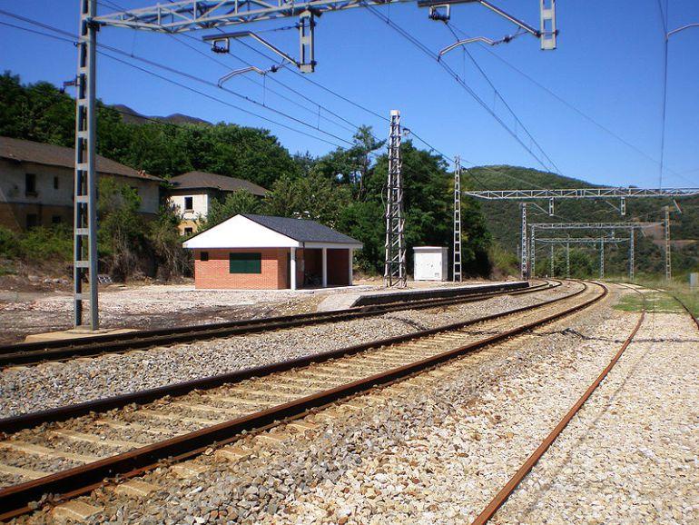 Trazado ferrovicario actual a su paso por el municipio de Torre del Bierzo
