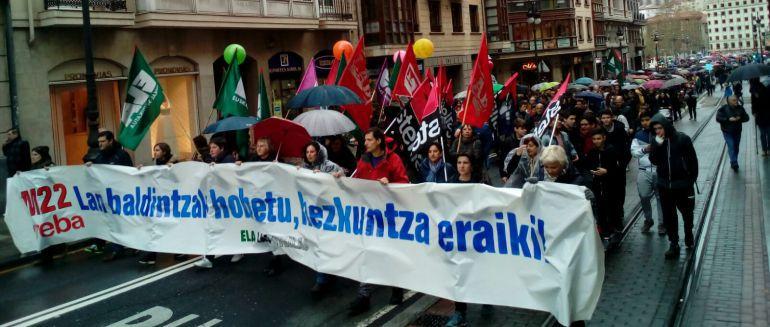 Los sindicatos convocan más huelgas en la enseñanza pública no universitaria
