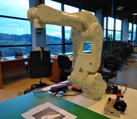 Robot en el que trabaja Larraioz