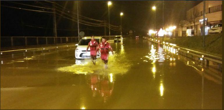La lluvia inunda zonas de Gernika y alrededores