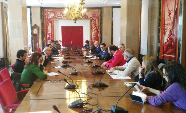 Mesa del Ferrocarril de Granada con la Comisión de Fomento del Congreso