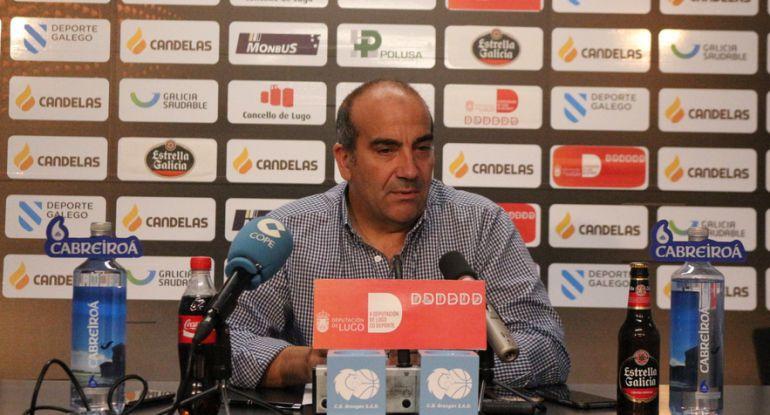 Suso Lázare dando detalles sobre la Copa Princesa que se disputará en Lugo