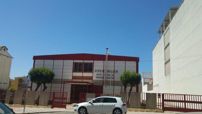 El ayuntamiento asumirá los gastos del centro educativo de adultos Alto Guadalquivir