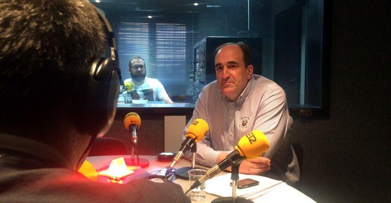 El alcalde de Algete, César de la Puebla en los estudios de SER Madrid Norte