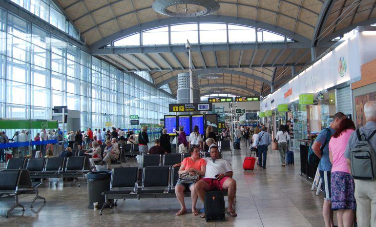 Terminal aeropuerto Alicante-Elche