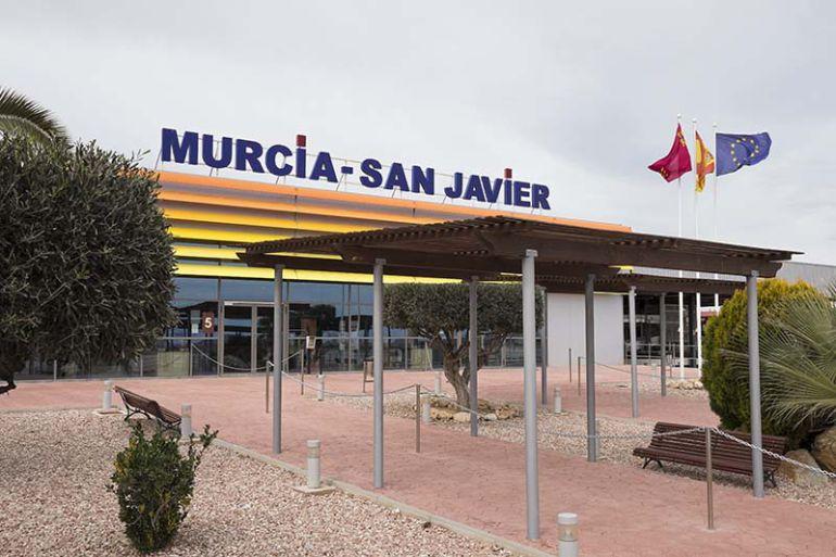 El Aeropuerto de San Javier cierra 2017 con cerca de 1,2 millones de pasajeros, un 9,1% más
