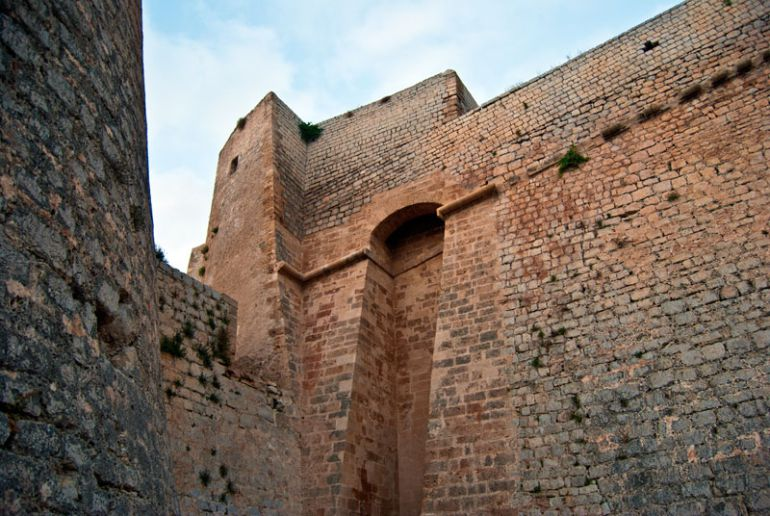 Fomento destina 224.000 euros a las obras de consolidación de las Murallas de Ibiza