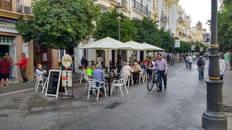 Imagen de una terraza en el centro de Jerez