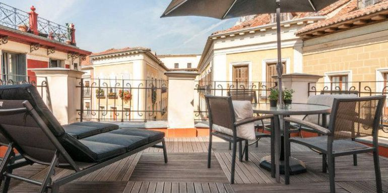 """Carmena rechaza el """"confuso"""" decreto de Cifuentes para regular los pisos turísticos"""