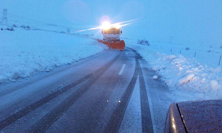 La nieve dejó incomunicadas a muchas localidades