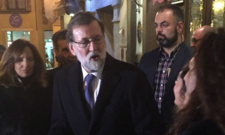 Rajoy a la salida del Restaurante José Maria