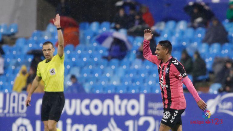 El Tenerife se aleja de la promoción