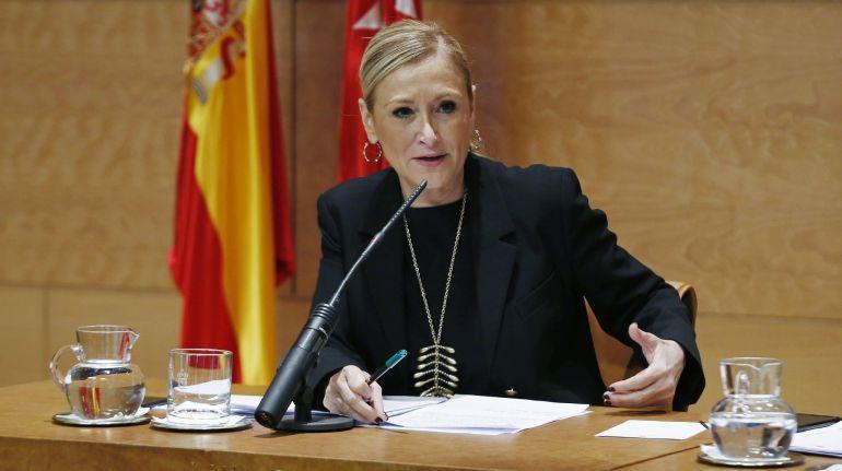 Cristina Cifuentes, en rueda de prensa en Puerta del Sol.