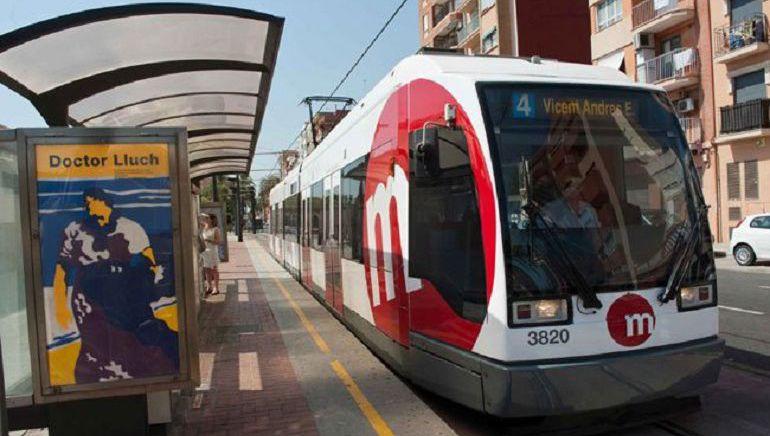 Un tranvía en servicio de la línea 4