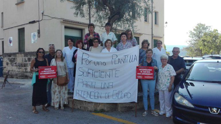 Protesta de los trabajadores de la Residencia Mariola de Alcoy