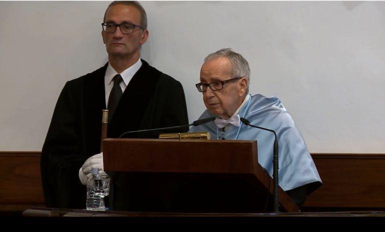 García Baena en su investidura como Honoris Causa