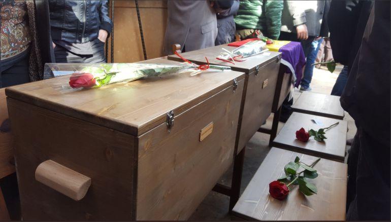 Entregan a sus familiares los restos de las 14 víctimas de la fosa común de Porreres