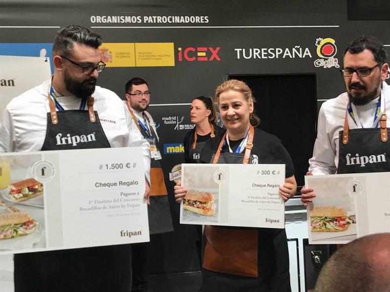 Marga Galdo, en el centro, se alzó con el segundo premio del concurso de Bocadillo de Autor del Madrid Fusión.