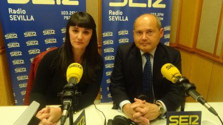 Marianela Olmedo junto a su abogado, Luis Romero