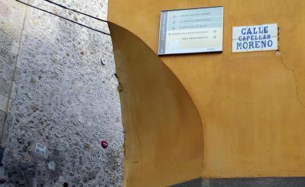 Placa de la calle Capellán Moreno, en Cuenca.