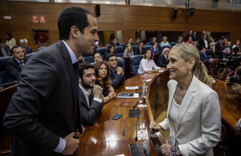 La presidenta de la Comunidad, Cristina Cifuentes, y el portavoz de Ciudadanos Madrid Ignacio Aguado.