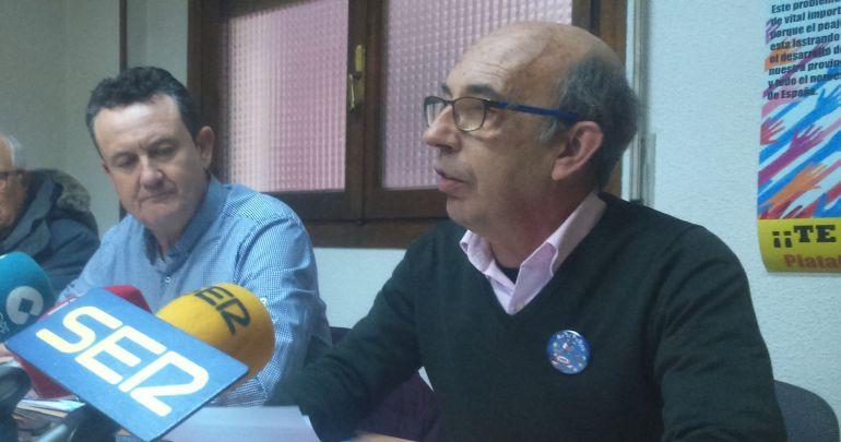 Julio Huerta (primer plano) y Ángel Zancajo, en una rueda de prensa. Archivo