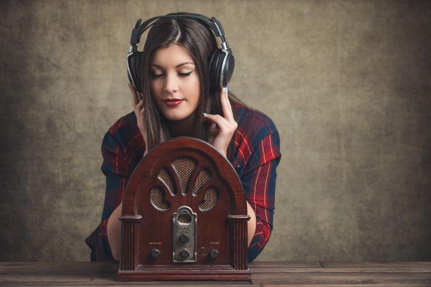 La Columna de Carlos Arcaya: A la veterana radio no le va mal con las nuevas tecnologías