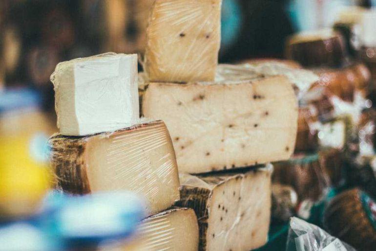Imagen de archivo de varios quesos.