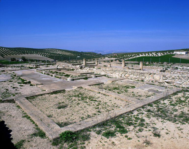 Villa Romana de Bruñel antes de ser protegida con paneles metalicos  para evitar su expolio