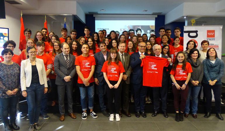 Visita de los alumnos del IES Rosa Chacel al IMDEA Nanociencia