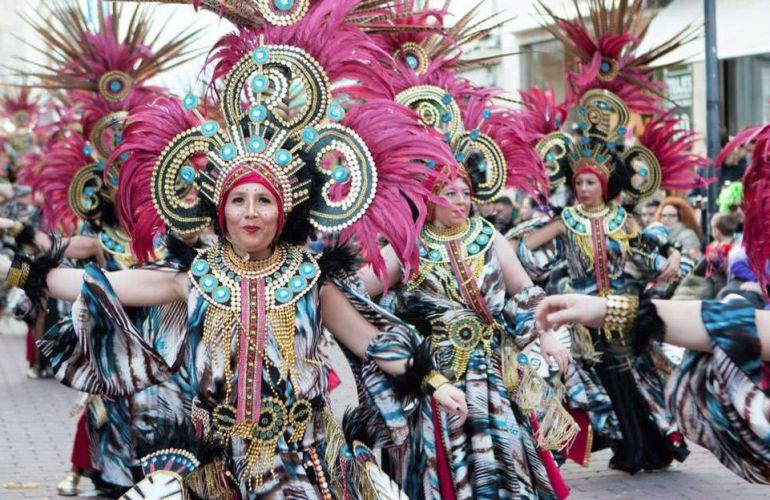 Imagen de la comparsa ritmomania del carnaval de Navalmoral de la Mata de años anteriores
