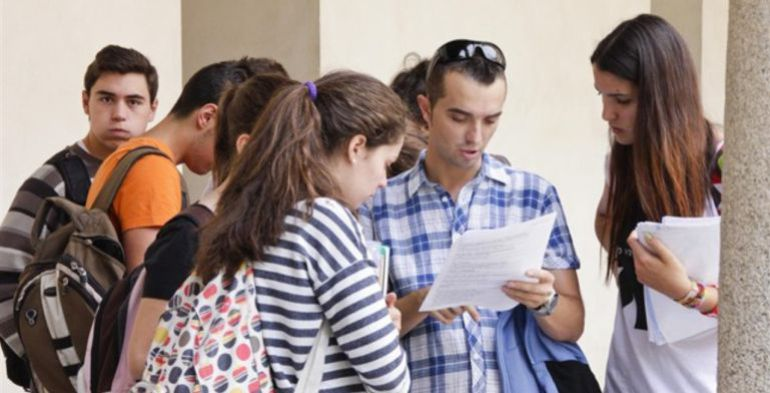 En total la UCLM tiene previsto ofertar hasta 10 nuevas titulaciones y otros 5 másteres universitarios
