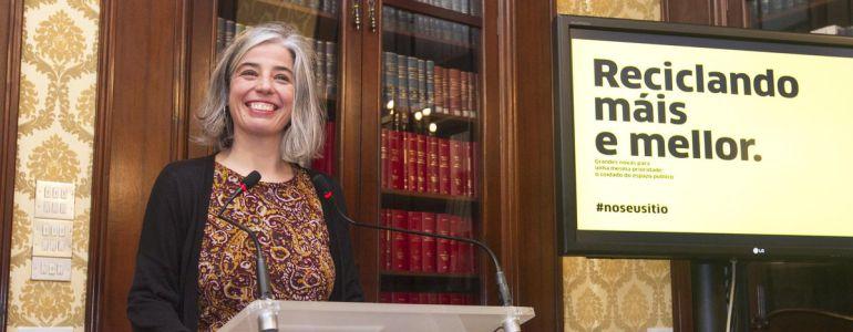 María García, rueda de prensa sobre basuras y reciclaje