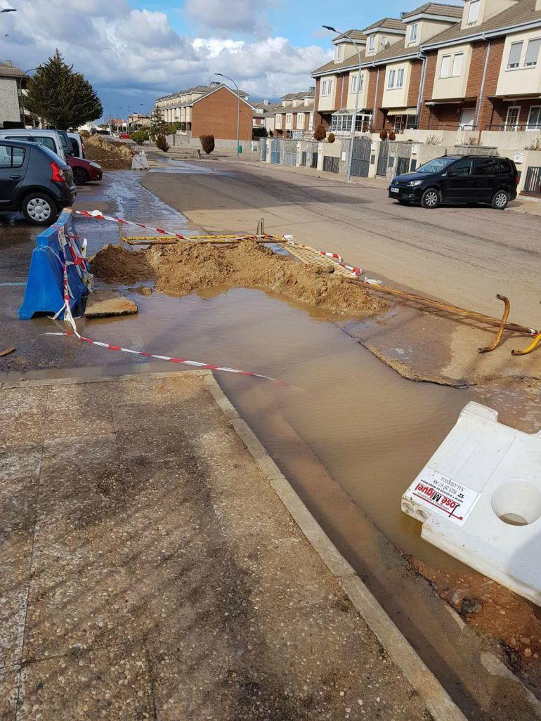 Polémica por las obras de renovación del suministro de agua en Terradillos