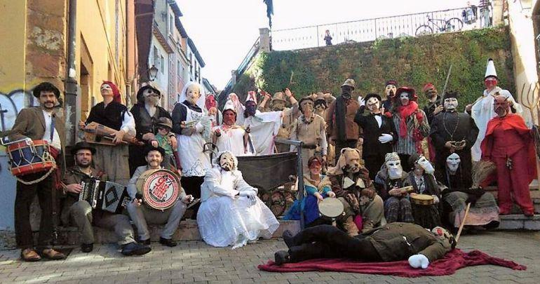 Los Mazcaritos recorren, de nuevo este año, las calles de Oviedo