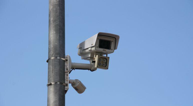 Barcelona controlarà amb càmeres els vehicles més contaminants abans de finals d'any