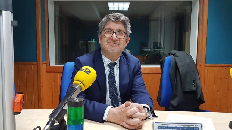 Andrés de Diego en el estudio de la Ventana de Cantabria