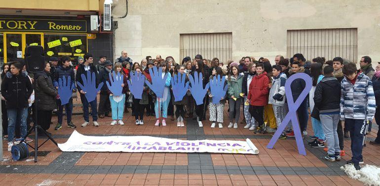 Concentración contra la violencia de género en la Plaza de José Zorrilla.