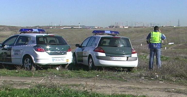 Dos vehículos de la Guardia Civil