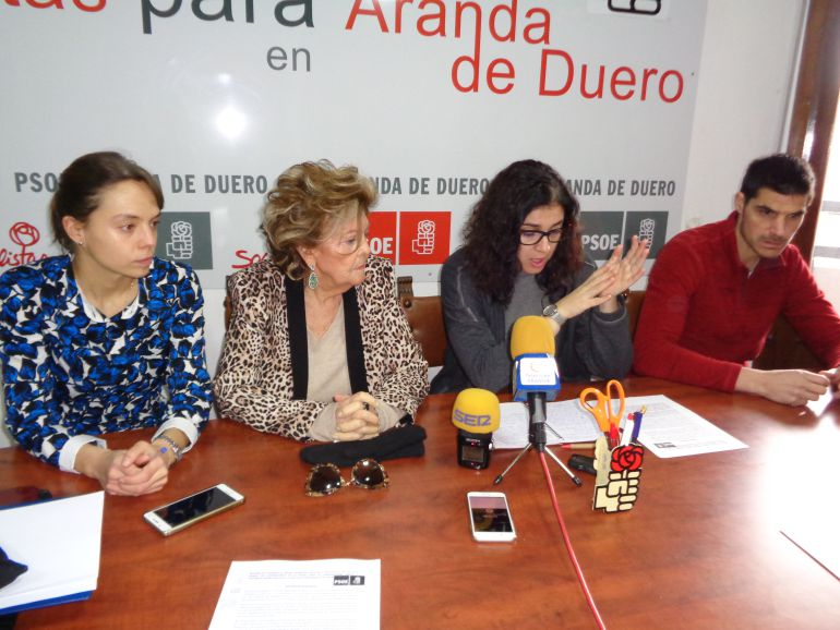 El grupo socialista exige medidas contra la discriminación laboral de la Mujer