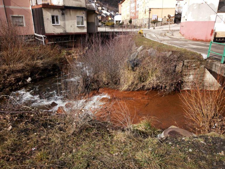 Igüeña denuncia vertidos al río Tremor procedentes de Alto Bierzo